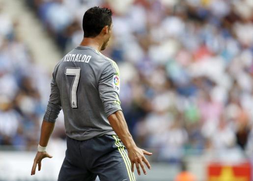 El delantero del Real Madrid, Cristiano Ronaldo, celebra el segundo gol de su equipo durante el partido contra el Espanyol.