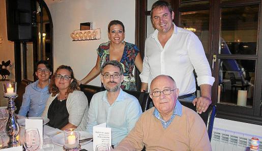 Gabriel Siquier, Lara Estaràs, Sergi Canal, Mónica Siquier, Tomeu Català y Toni Mir.