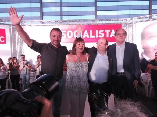 La secretaria general del PSIB-PSOE, Francina Armengol, ha participado este lunes en un acto electoral en Terrassa con Miquel Iceta, candidato del PSC a la presidencia de la Generalidad, Ángel Gabilondo, portavoz del PSOE en la Asamblea de Madrid, y Jordi Ballart, alcalde de Terrassa.