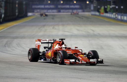 Sebastian Vettel ha conseguido la tercera victoria de la temporada en Singapur.