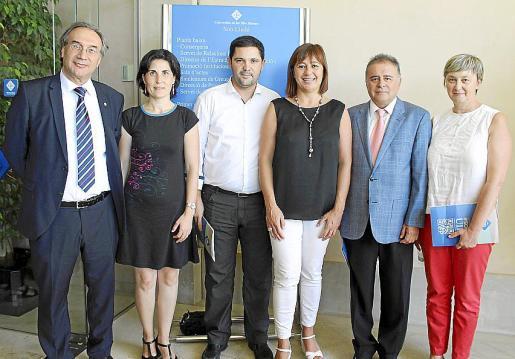 El conseller Martí March, Antonia Martin Perdiz, Miquel Bennàssar, Francina Armengol, Juan Oliver Araujo y María Ballester.