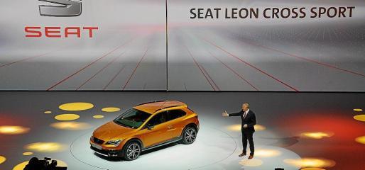 El prototipo ofrece las prestaciones de un deportivo compacto y la silueta coupé de un vehículo de dos puertas.