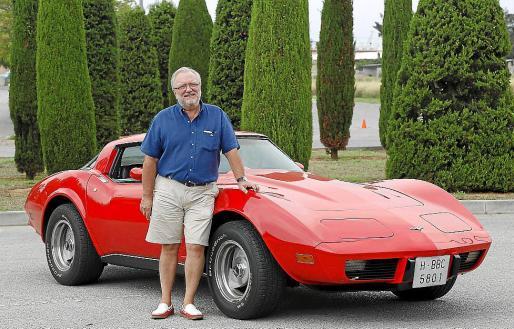 Ricardo Olivieri es el propietario de este precioso Corvette de 1979 que cuida con mucho esmero.
