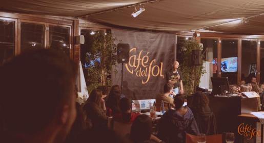 Una actuación en el Café del Sol.