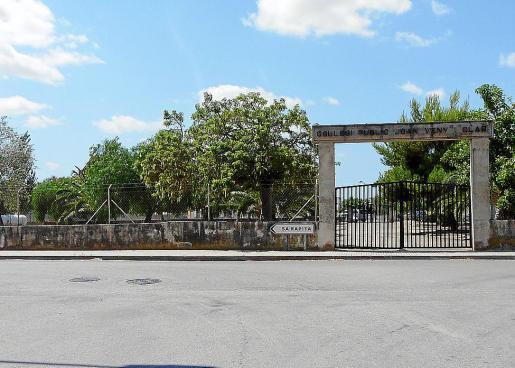 La cesión del solar donde está prevista la construcción del nuevo colegio de Campos está pendiente de que el Institut Balear de l'Habitatge (IBAVI) solvente una serie de deficiencias detectadas en el solar por parte de los técnicos municipales.