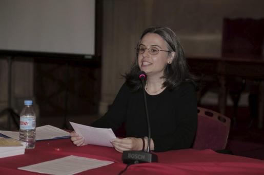 Maribel Ripoll, disertando el pasado mes de mayo sobre el papel de la mujer en la obra de Ramon Llull.