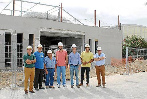 La reforma de la piscina municipal y la ampliación de las instalaciones deportivas con un gimnasio será una realidad el primer trimestre de 2016.