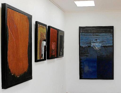 En las paredes de Garden Art Gallery ya está todo preparado para albergar su nueva exposición compuesta por 14 obras de distintos tamaños pintadas por el artista ibicenco Josep Rosales.