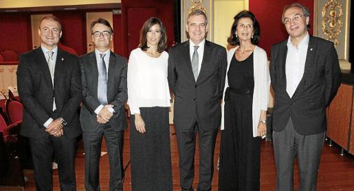 Francisco Lucas, Carlos Sáenz, Coro Moneo, Josep Maria Ramis, director regional de El Corte Inglés en Balears; Carmen Planas y Martí March.