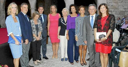 Rosa Torrens, Álvaro Guibert, Pilar Martín Laborda, Fernando Aznar, Mercedes Conrado, Mercedes Quiroga, Carmen Planas, Margarita Pérez Villegas, Eusebio Lozano y Lola Durán.