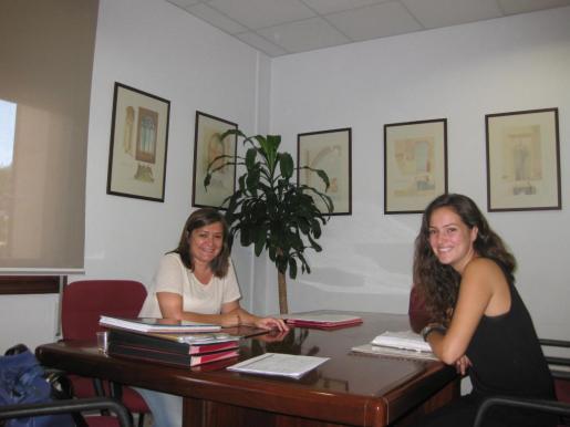 Mercedes Garrido y Núria Hinojosa.