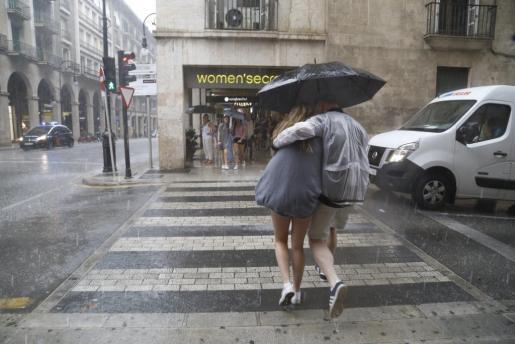 Las lluvias podrían dejar hasta 40 litros por metro cuadrado en una hora.