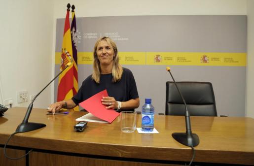 La delegada del Gobierno en Balears, Teresa Palmer, durante una rueda de prensa.