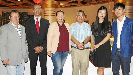 Juan Cabrera, el director de Juegos, Miquel Ángel Oliver; Almudena Soriano, Thung Shing Yeung, Yuu Yeung y Fang Ji.