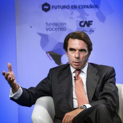 El expresidente del Gobierno José María Aznar durante su participación este lunes en una charla coloquio con el periodista colombiano Juan Carlos Iragorri.