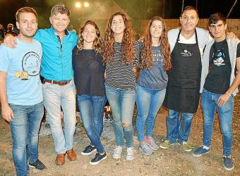 Cena de 'fideus de vermar' en Can Arabí