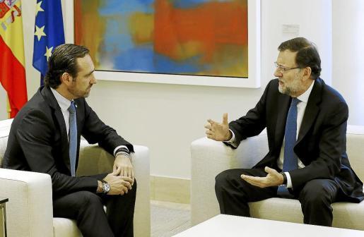 Mariano Rajoy recibió a Bauzá en Madrid el 29 de abril. Ambos anunciaron la aprobación del régimen especial cuando no faltaba ni un mes para las elecciones autonómicas pero la ley no llegará a aprobarse en el Congreso.