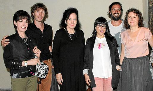 Amada Salvá, Alberto Trabado, Pilar Ribal, Noemí Garcías, Alejandro Gomis, y la directora del Festival, Ágota Harmati.