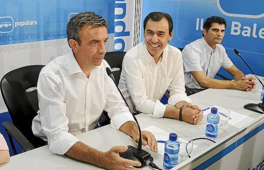 Miquel Vidal, con Fernando Martínez-Maíllo y Antoni Mulet.