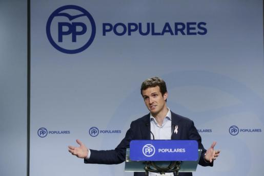 El vicesecretario de Comunicación del PP, Pablo Casado, durante la rueda de prensa posterior a la reunión del Comité de Dirección del partido este lunes en Madrid.
