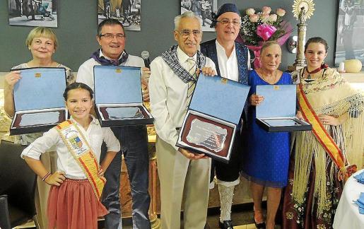 Maria Luisa Beltrán, Avril López, José María Marín, Pedro Domenech, José Manuel del Pozo, María Ángeles Insa, Marina Marzo.
