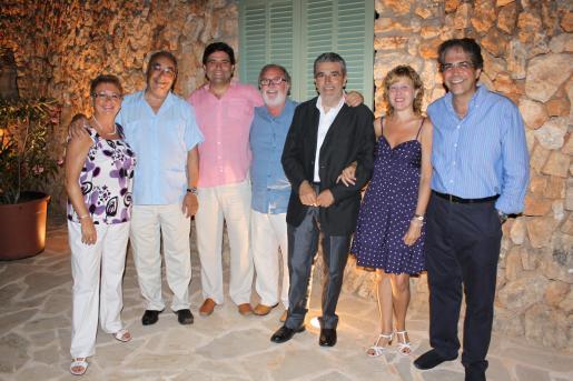argalida Socies, Miquel Segura, Joan Picornell, Camargo, Cristòfol Vidal, Petra Genestra y Rafel Bosch.