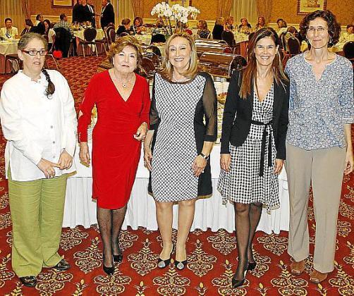 Montserrat Madrid, Ana María Jaume, Rafi Córdoba, Mª Antonia Escarrer y Dolores Puértolas.