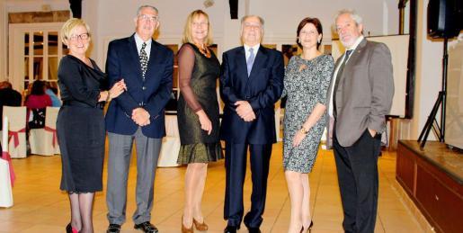 Margalida Riutort, Antonio Comas, Águeda Ropero, Alfonso Ruiz Abellán, Marisa Cortés y Raúl Izquierdo.