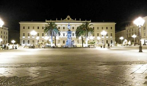 Imagen de la piazza Italia, lugar donde fueron brutalmente agredidos los estudiantes españoles.