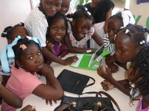 Las niñas embarazadas de Sierra Leona tienen prohibido asistir a la escuela.
