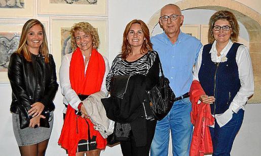 Catina Mesquida, Antònia Fons, Maria Antònia Mora, Pedro Sansaloni y Aina Servera.