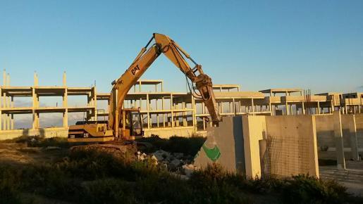 Imagen de las tareas de demolición.