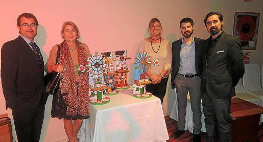 Chema Milian, Carme Riu, Patricia Gómez, Javier de Juan y José Antonio Rodado, con los premios.