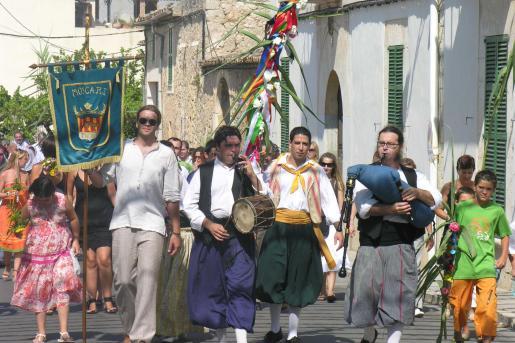 La Festa del Fadrí es un acto muy singular de las fiestas de Moscari.