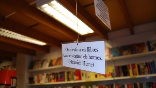 Imagen del interior de la librería.