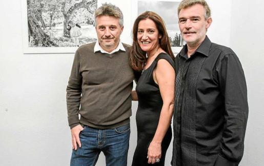 Xiqui Jiménez, Pere Planells y Vicent Planells son los autores de las fotografías. Foto: TONI ESCOBAR