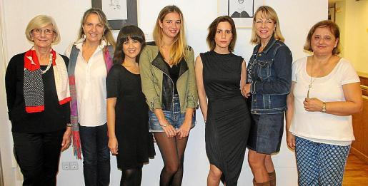 "Graciela Calderoni, Teresan Wurschmidt, Cinti Fest, Eugenia Mateu, Celeste Calderoni ""Mink"", Deborah Hurcomb y María Eugenia Barceló."