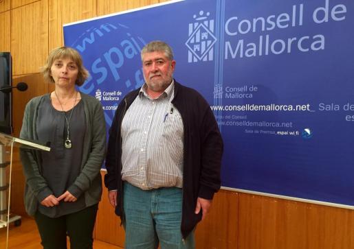 Joan Font y Antònia Malagrava, durante la presentación dels presupuestos de 2016.