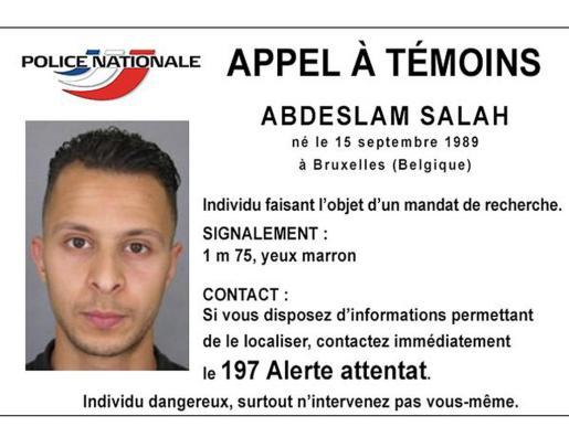 Cartel difundido por la policía francesa con la imagen del prófugo.