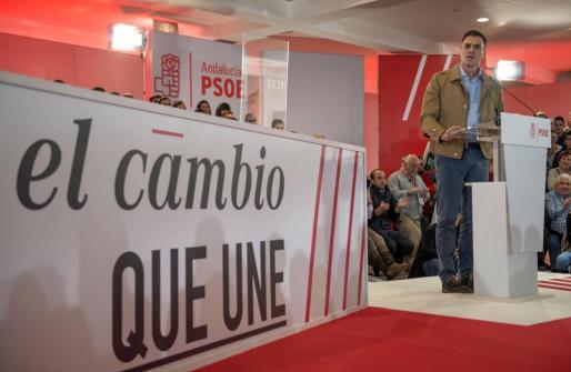 El secretario general del PSOE, Pedro Sánchez, durante su intervención en el acto electoral celebrado en Jaén.