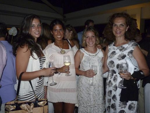 Bea Sánchez-Rufo, Bea Gómez, Gemma Galán y Beatríz Portillo.