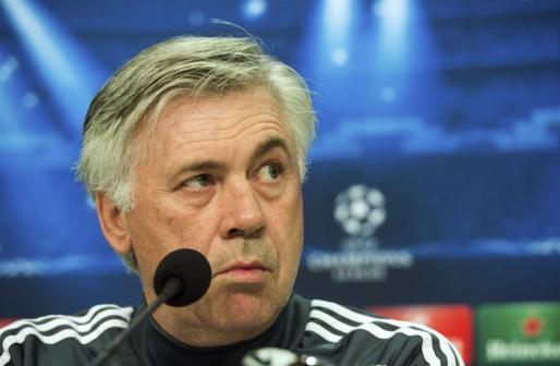 Imagen de archivo del entrenador italiano Carlo Ancelotti, antes del partido de ida de octavos de final de la Liga de Campeones.