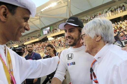 Fernando Alonso, junto a Bernie Ecclestone.