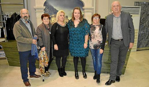 Jaume Sitjar, Joana Llompart, Cati Reus, Joana Fátima Seguí, Cati Pou y Vicenç Coll.