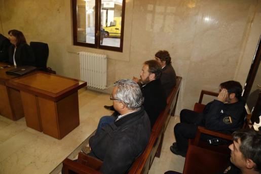 Miquel Ángel Flaquer, Francesc Buils y Álvaro Llompart, en el banquillo de los acusados.