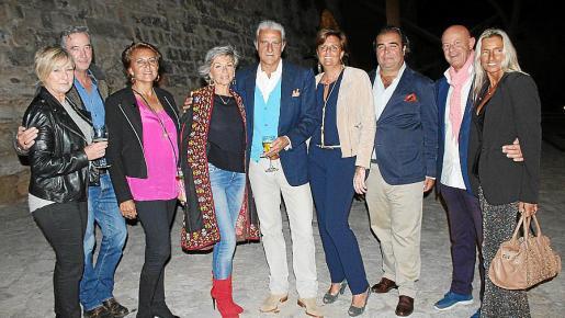 Kim Shield, Andrew Letice, Lourdes Planas, Cristina Stampa, Andrés y Cristina Planas, Fernando Robledo, Miguel Rullán y Eva García.