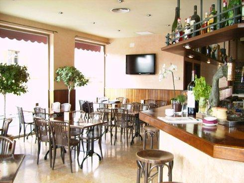 Un detalle del luminoso espacio del Café Sa Ronda, en Palma.