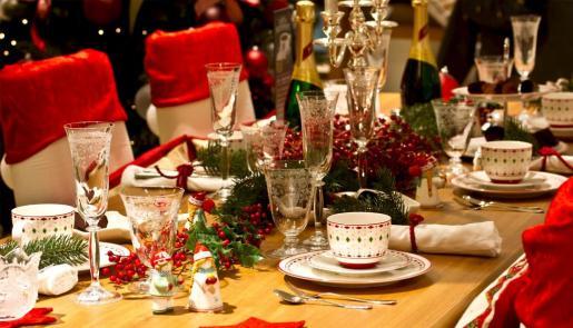 La mesa en Navidad es el epicentro de las reuniones familiares.