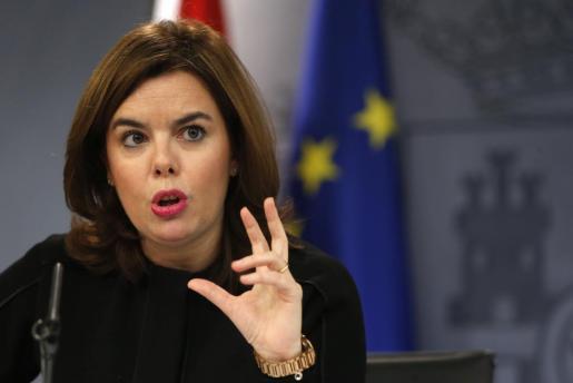 La vicepresidenta del Gobierno, Soraya Sáenz de Santamaría, durante la rueda de prensa posterior a la reunión del Consejo de Ministros celebrada en Madrid.