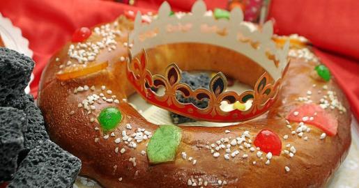 Gracias al ingenio de los veganos, es posible elaborar un roscón de Reyes prescindiendo de los ingredientes de origen animal.